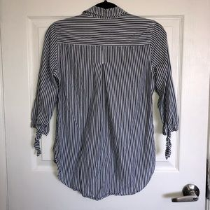 Maurices Tops - 🔥3/25🔥 Maurices Button down blouse